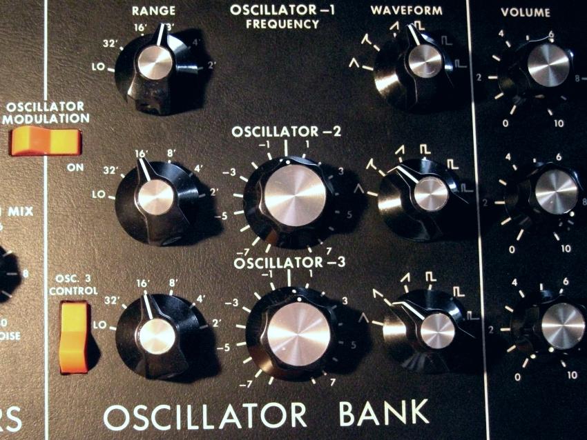 c097-minimoog