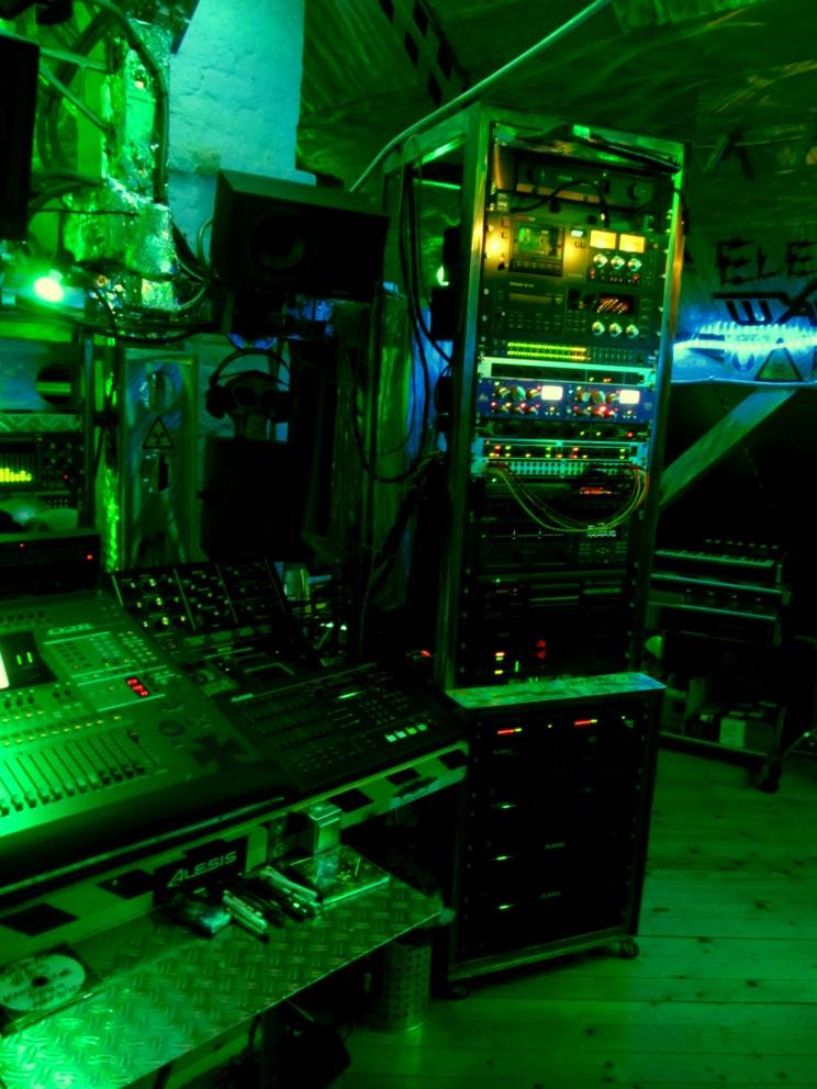 Studio2012-083