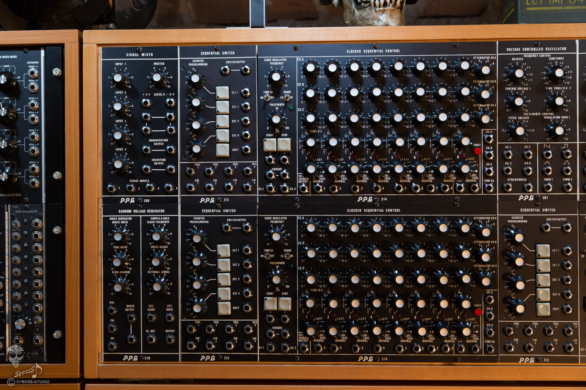 Big Modular Synth 009