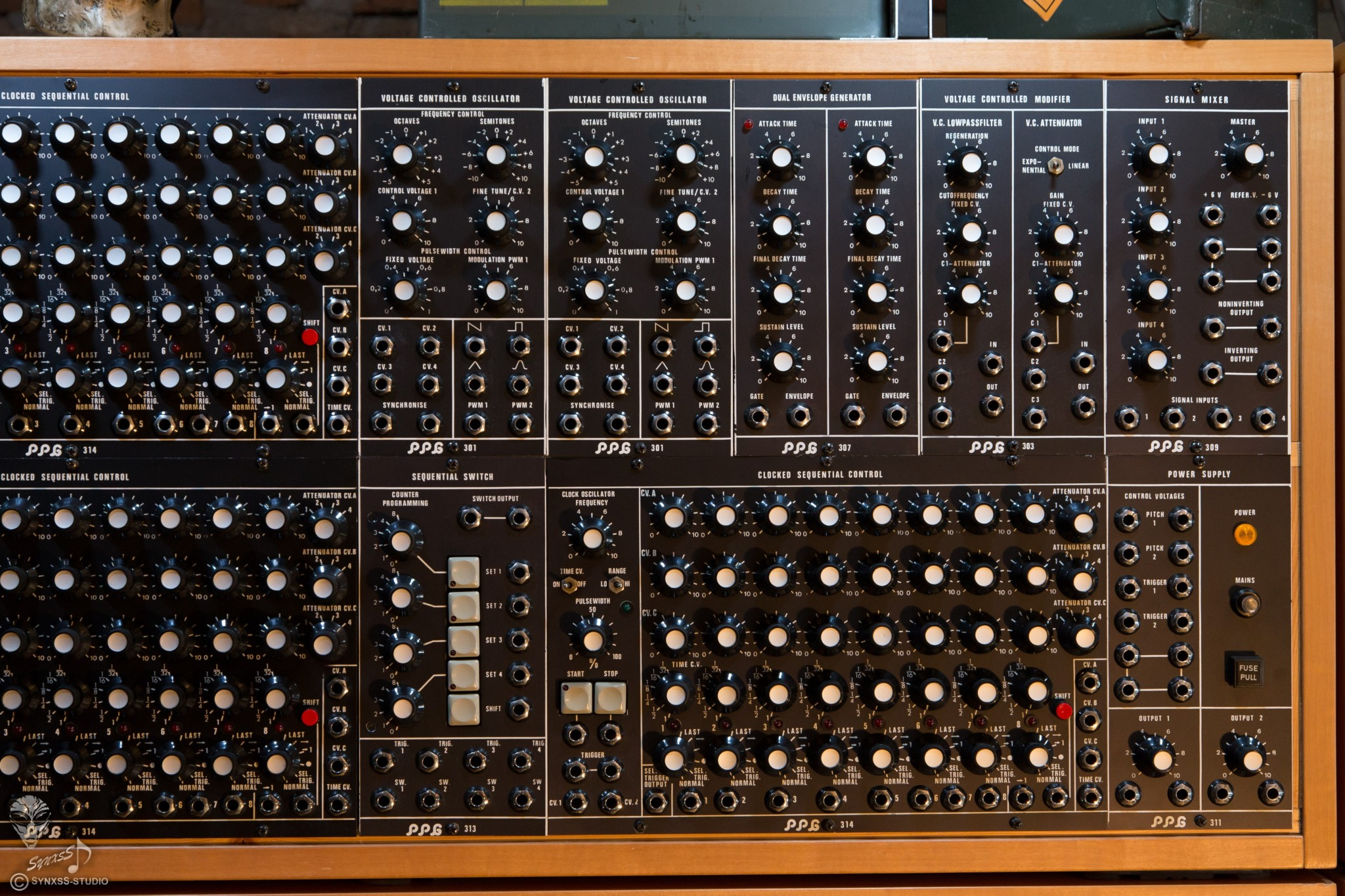 Big Modular Synth 010