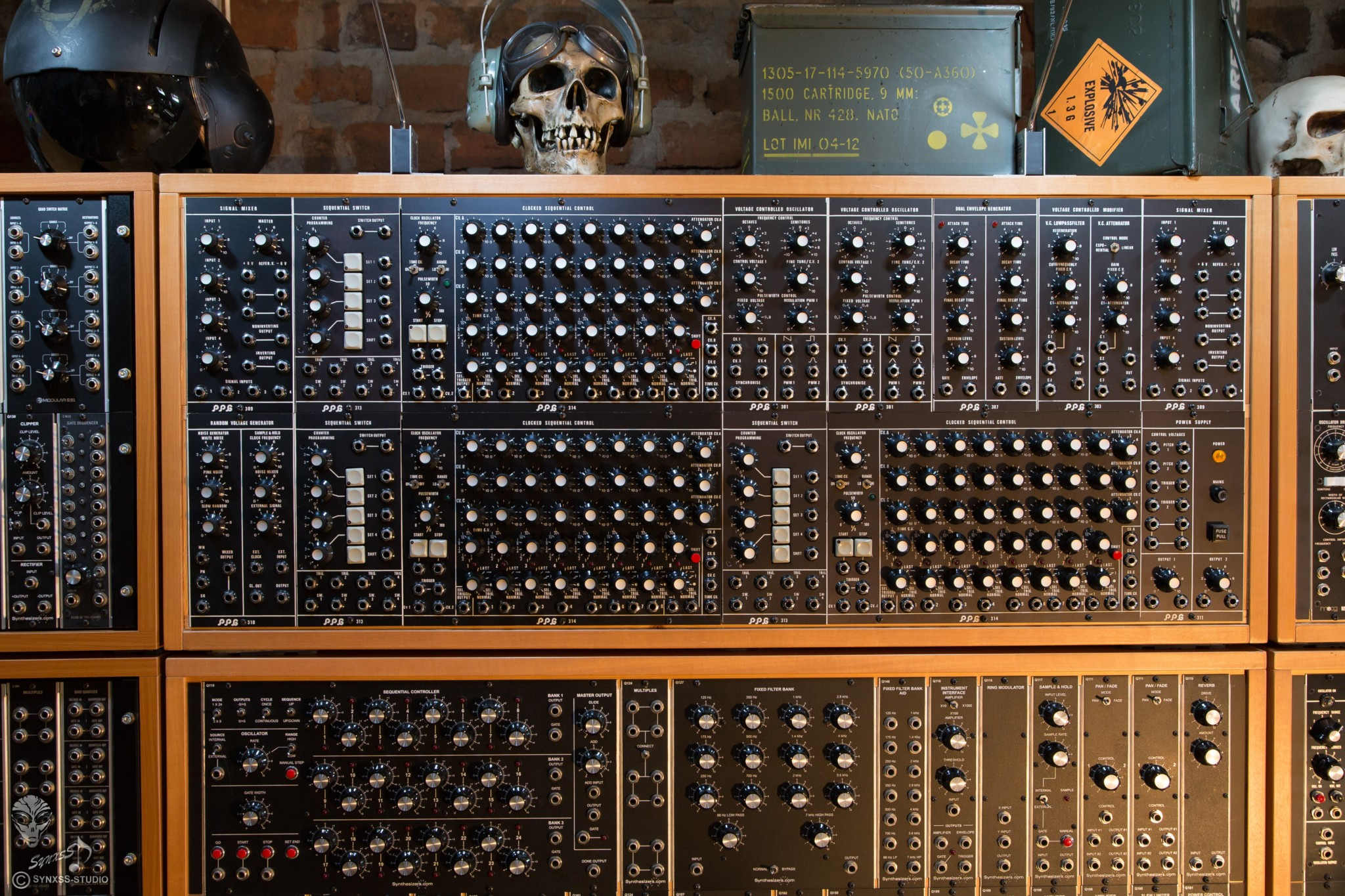 Big Modular Synth 011