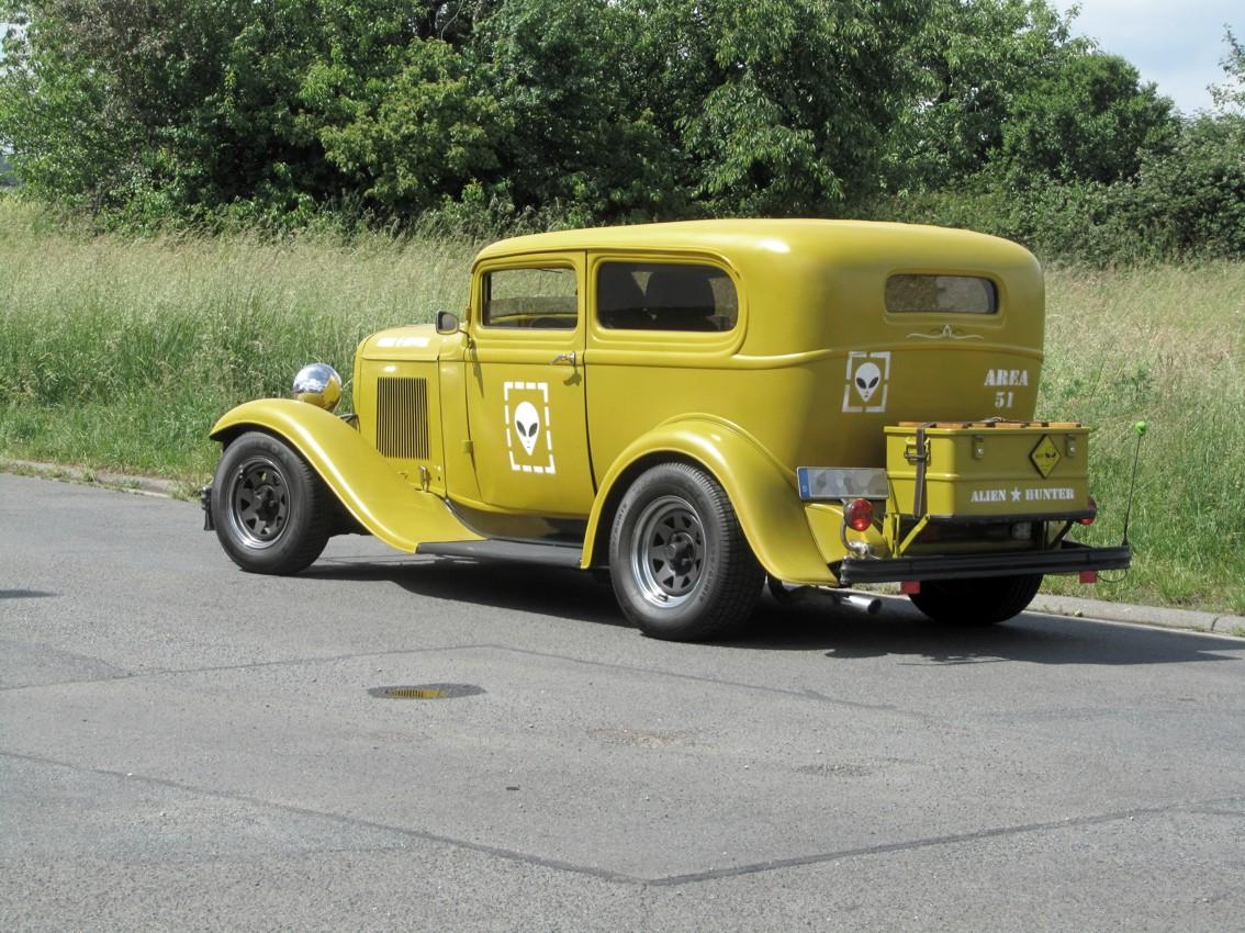 1932 Ford Tudor Sedan 102