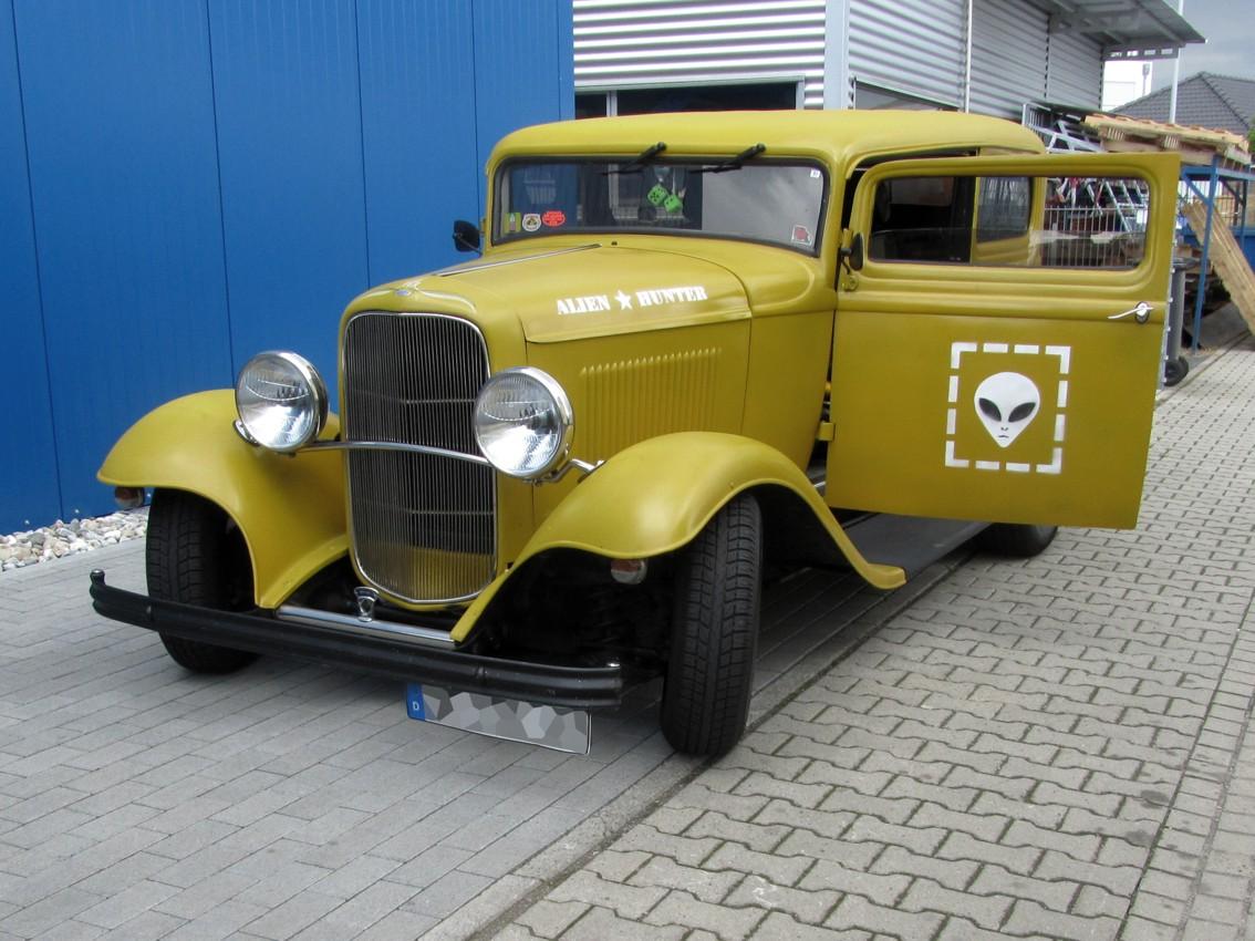 1932 Ford Tudor Sedan 103