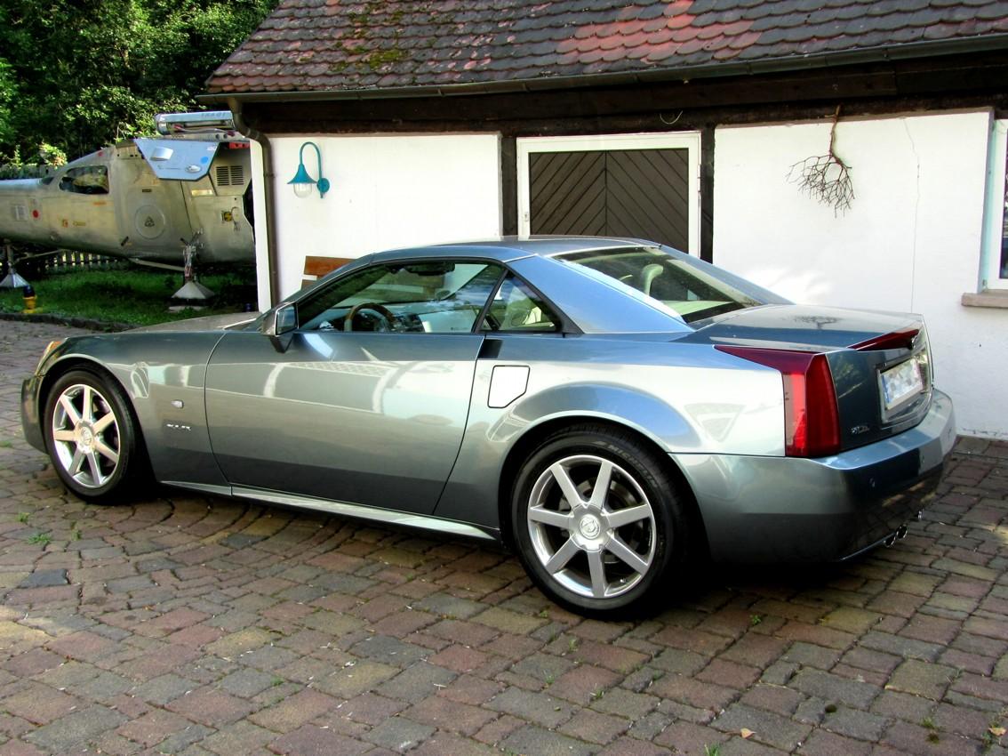 Cadillac XLR 00