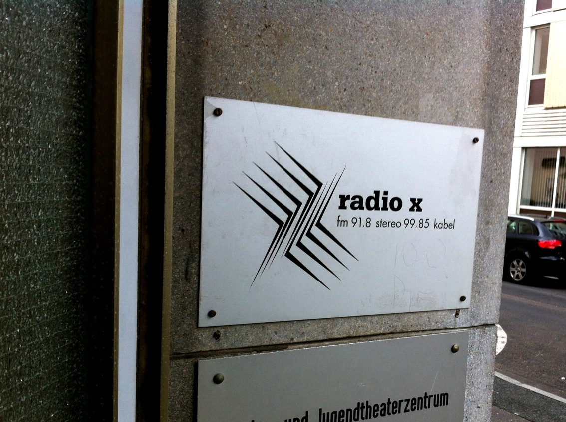 Radio-X Schild