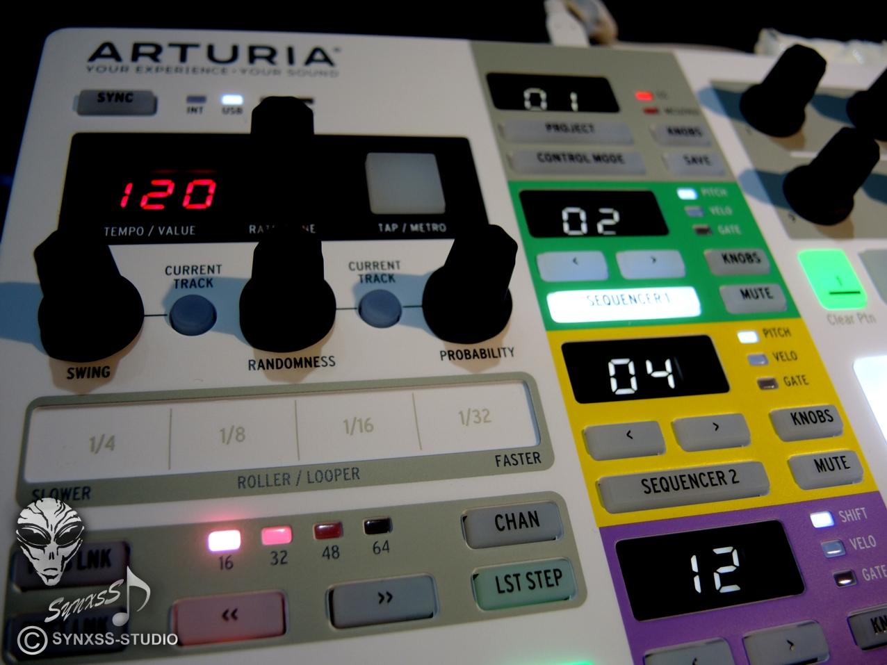 Arturia Beatstep Pro 77