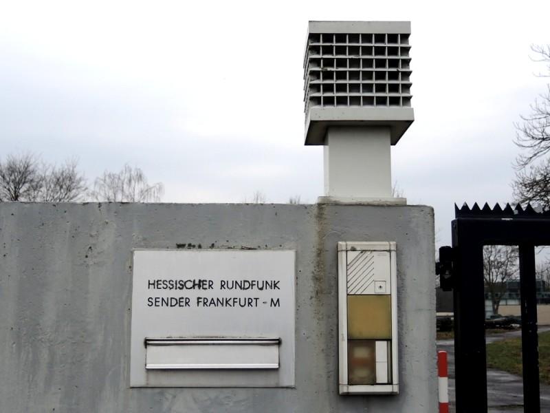 HR-Sender-11